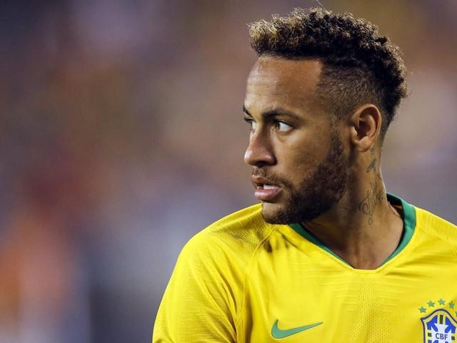 Le pied, mais aussi un ligament de la cheville : Neymar a cumulé les blessures en 2018
