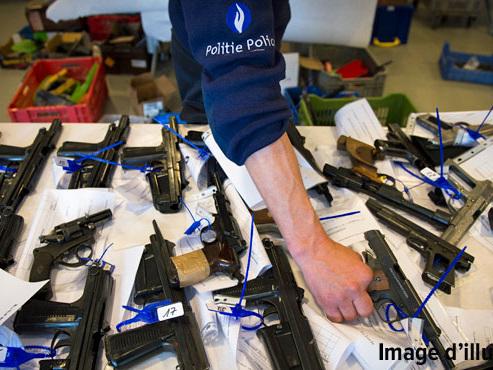 238 commerces d'armes illégales découverts ces dernières années: un phénomène nouveau inquiète la police