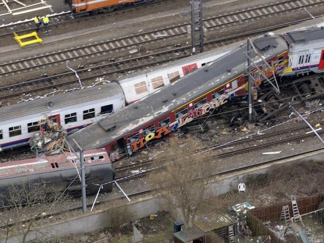 Catastrophe ferroviaire Buizingen: les conseils de la SNCB plaident l'acquittement du conducteur