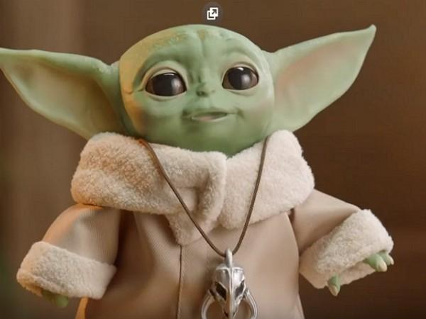 The Mandalorian : Hasbro sort un Baby Yoda animé à taille réelle