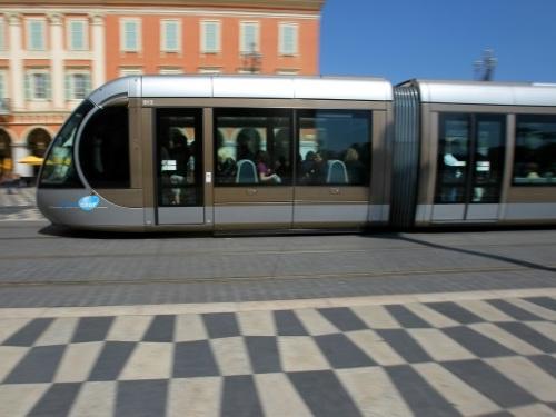 Nice: le système de freinage au coeur du procès d'un conducteur de tramway