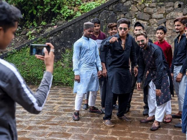Les jeunes Indiens toqués de l'application TikTok