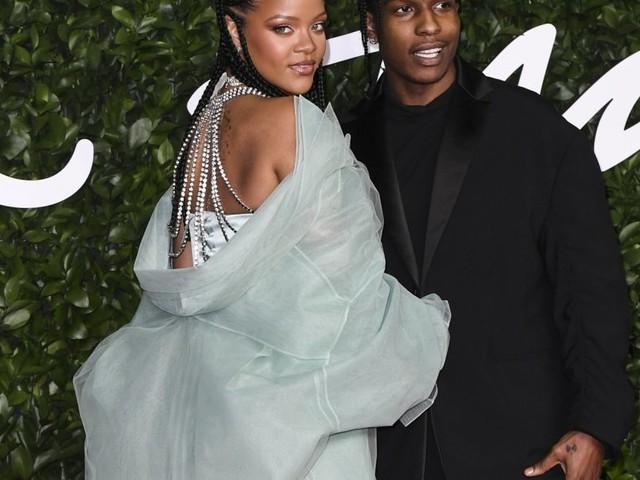 Rihanna : Sensationnelle avec une Julia Roberts scintillante
