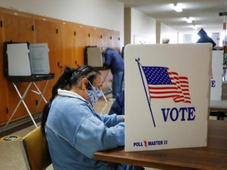 Congrès, gouverneurs, champignons: les Américains ne voteront pas que pour le président en novembre