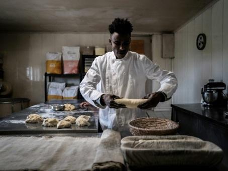 Un jeune Guinéen en voie de régularisation après une grève de la faim d'une boulangère