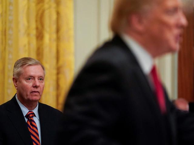 Impeachment: les républicains vont-ils finir par lâcher Trump?