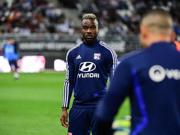 OL: Cornet surprend tout le monde et prolonge à Lyon