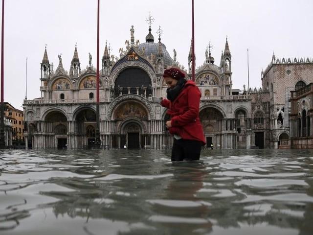 """Venise commence à évaluer les dégâts causés par une """"aqua alta"""" historique"""