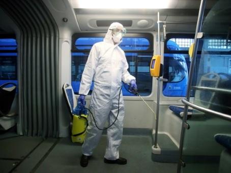 Coronavirus: le monde se barricade, les systèmes de santé en Europe à rude épreuve