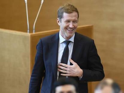 Qui est Paul Magnette, ce Belge attendu au chevet du PS français ?