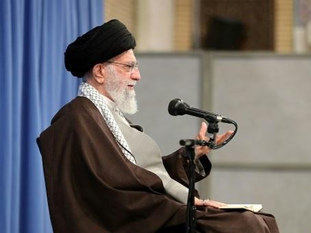 Iran: des dizaines d'arrestations lors de manifestations contre le prix de l'essence