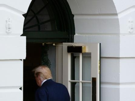 Inquiet, Trump assure que l'économie est en pleine forme