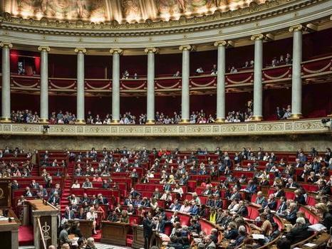 """Budget: la """"gêne"""" des anciens députés socialistes, aujourd'hui chez LREM"""