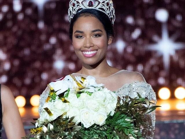 Miss France 2020 : Le sosie de Clémence Botino fait l'unanimité sur la toile