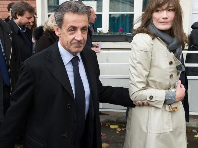 Carla Bruni se confie sur son amour fou pour Nicolas Sarkozy, «une bombe atomique»