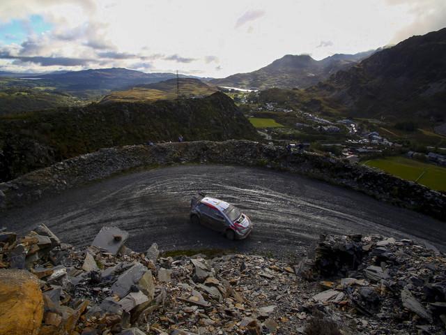 Rallye de Grande-Bretagne: Tänak accroît légèrement son avance à la mi-journée
