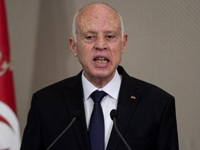 Tunisie: la crise du Covid-19, prétexte au coup de force de Kaïs Saied