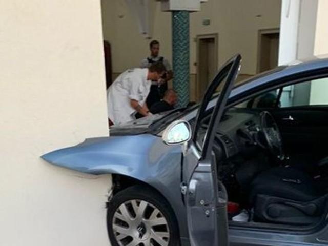 France: Un homme fonce en voiture sur la mosquée de Colmar, aucun blessé