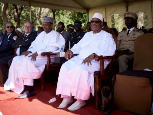 Le Mali en guerre cherche sa réponse politique et nationale à la crise