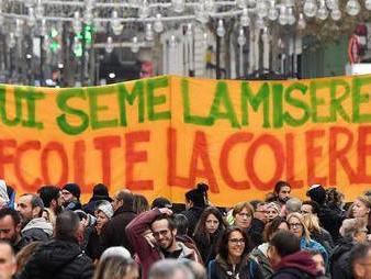 Editorial des bulletins d'entreprise - Pour le retrait de la réforme, la lutte continue !