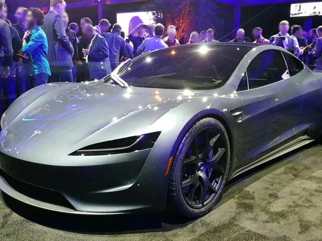 La Tesla Roadster est repoussée à 2021, mais battra tous les records