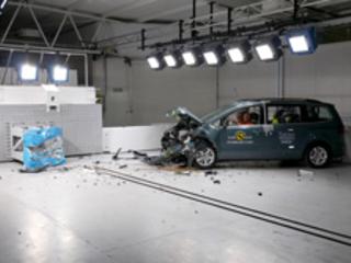 Le Volkswagen Sharan obtient quatre étoiles sur cinq aux crash-tests Euro NCAP