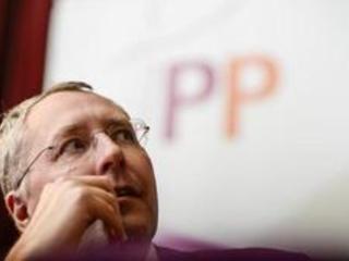 Recours du PP contre le décret gouvernance examiné mercredi par la Cour constitutionnelle