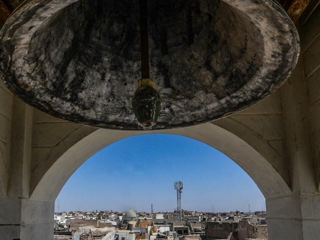 Irak: une église de Mossoul retrouve sa cloche, sept ans après l'EI