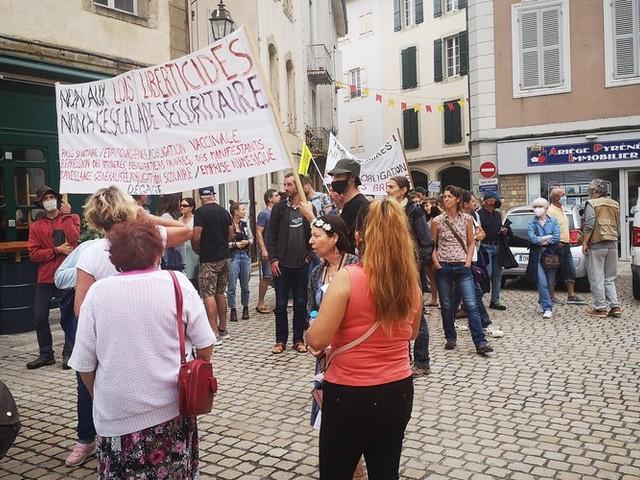 DIRECT. Manifestations anti-pass sanitaire : début de la mobilisation partout en France