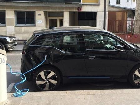 Automobile et lutte contre le réchauffement climatique : record de vente de voitures électriques en novembre
