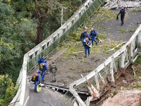 Pont effondré en Haute-Garonne: appel au calme après des menaces contre la famille du chauffeur