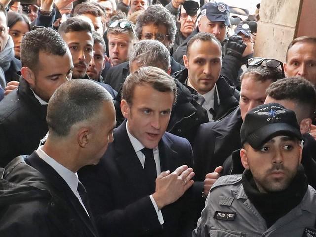 """Macron comme Chirac à Jérusalem ? """"La comparaison, si elle a lieu d'être, a été assumée par l'Elysée"""""""