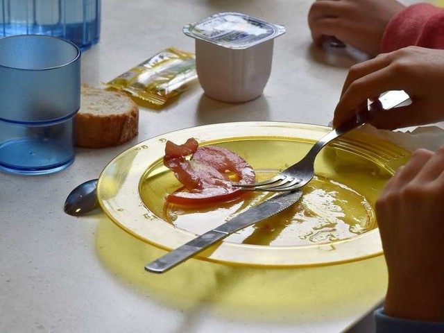 Suppression des menus sans porc dans les cantines : un maire RN devant la justice
