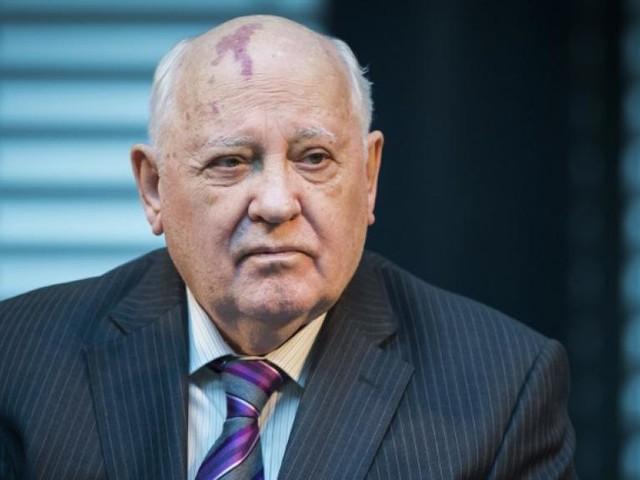 Russie: Gorbatchev met en garde contre la sortie des Américains du traité INF