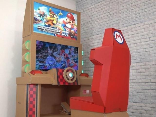 Ce youtubeur a créé une borne d'arcade Mario Kart en… carton