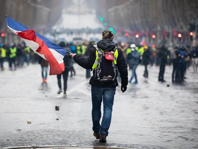 """""""Gilets jaunes"""" : Montpellier, Paris, un """"acte 45"""" sous haute tension samedi"""