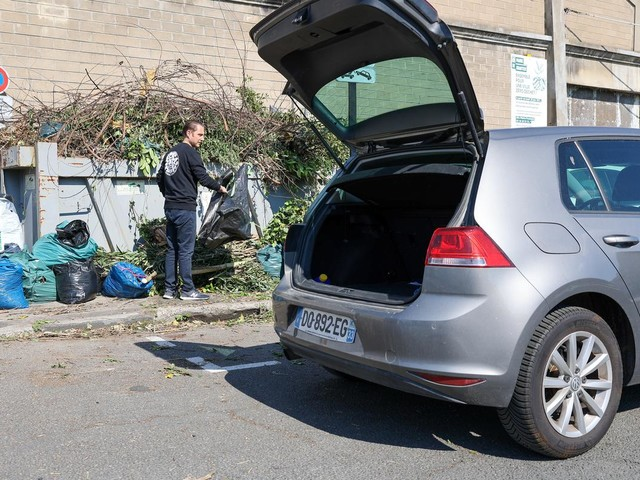 Bordeaux: la fin annoncée des bennes de collecte des déchets verts
