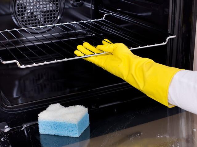 Nettoyer le four: pyrolyse, catalyse et astuces naturelles