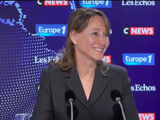 """Vidéo des lycéens arrêtés de Mantes-la-Jolie : """"Ça leur fera un souvenir"""", ironise Ségolène Royal"""
