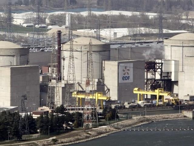 Les plus vieux réacteurs nucléaires français prolongés de 40 à 50 ans