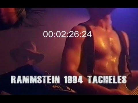 Un extrait d'un concert de Rammstein en 1994 est à voir ici, la scénographie a un peu évolué depuis !