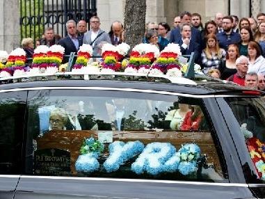 Meurtre d'une journaliste en Irlande du Nord: deux inculpés remis en liberté