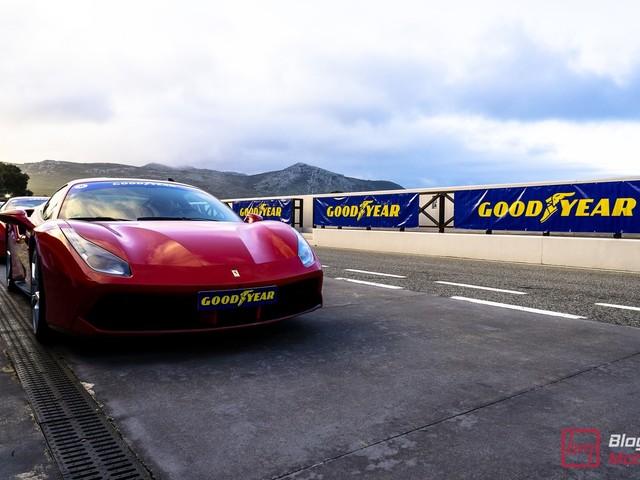 Test des pneus Goodyear Eagle F1 Series au circuit d'Ascari !