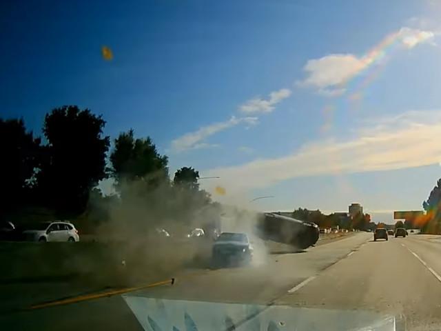 Crash : glissades et tonneau sur l'autoroute