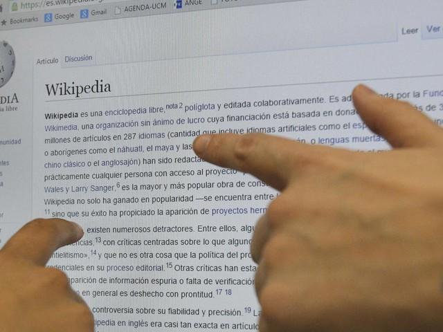 VIDEO. Wikipédia fête ses 20 ans : un contributeur français nous raconte les coulisses de l'encyclopédie en ligne