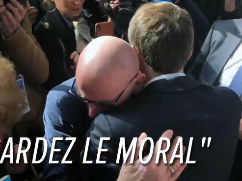 Un retraité fond en larmes dans les bras d'Emmanuel Macron au Salon de l'Agriculture (vidéo)