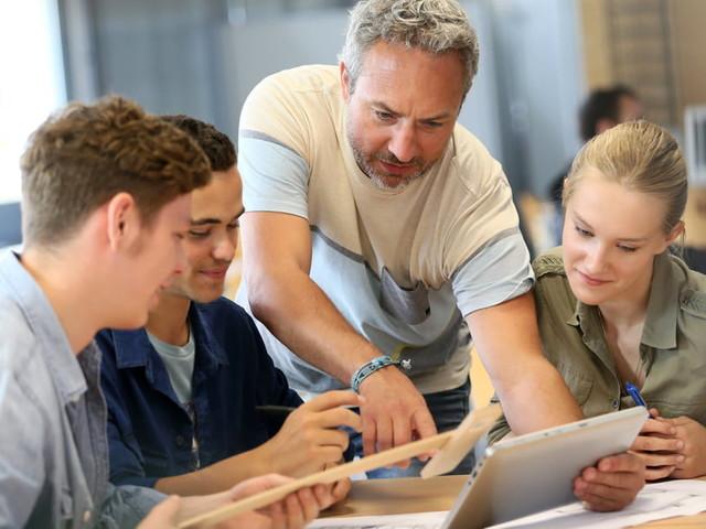 Service National Universel: les jeunes débutent l'internat