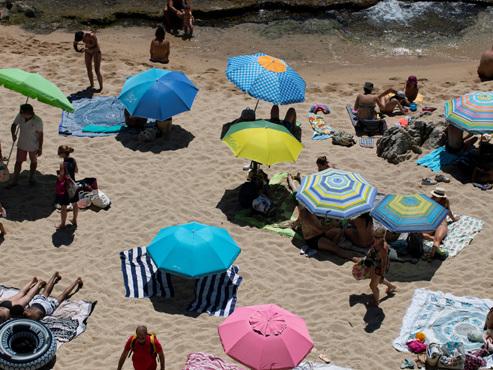 Partir ou revenir de vacances à l'étranger: votre destination est-elle en zone verte, orange ou rouge?