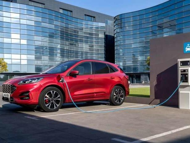 Ford Kuga hybride rechargeable : voilà les prix !