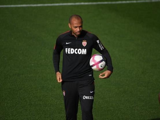 Foot - L1 - Monaco - Monaco : quelle première sur un banc de L1 pour Thierry Henry, par rapport aux anciens de 98 ?